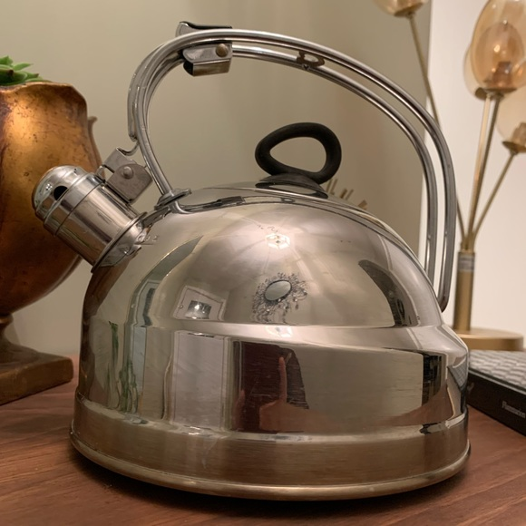 Paderno stainless whistling tea kettle. Excellent
